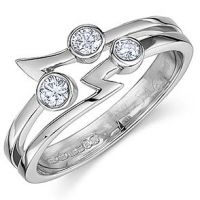"3 Diamond ""flash"" design ring"